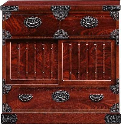 吉野民芸 帳場箪笥:日本の伝統的な家具を追求し、現代の住空間にあわせた「吉野民芸家具」