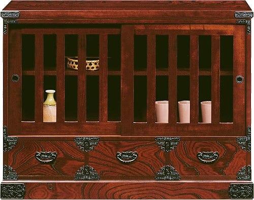 吉野民芸 和サイド:日本の伝統的な家具を追求し、現代の住空間にあわせた「吉野民芸家具」
