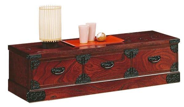 吉野民芸 チェスト:日本の伝統的な家具を追求し、現代の住空間にあわせた「吉野民芸家具」