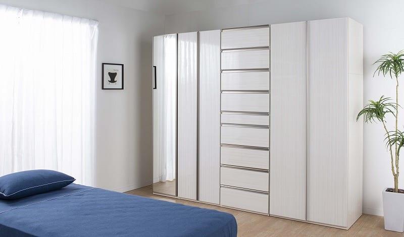 ケース 洋服タンス ワード 折戸 80 (L):空間の有効面積がグンと広がる