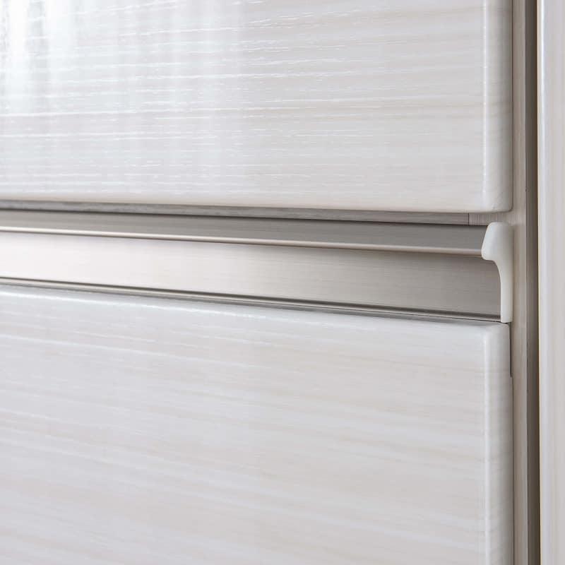ケース 洋服タンス ワード 折戸 80 (R):質感を高めるアルミパーツを採用