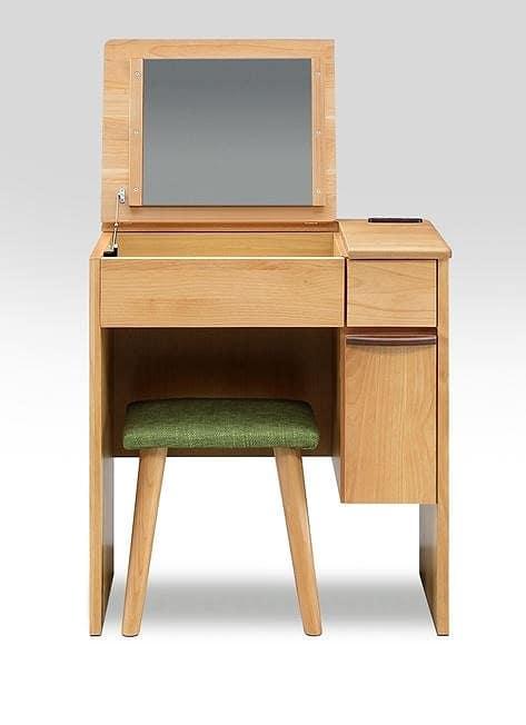 デスクドレッサー ルシアン:《鏡をしまえるので、お部屋をスッキリ見せるドレッサー》