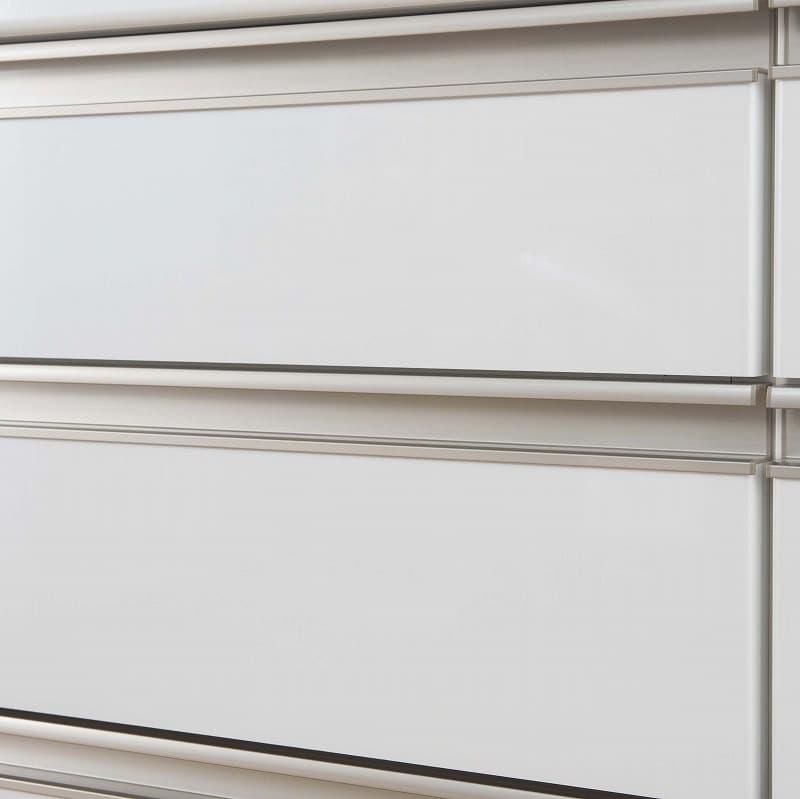カウンター天板リンク158K 特注天板ホワイト:シルバー取っ手がアクセント