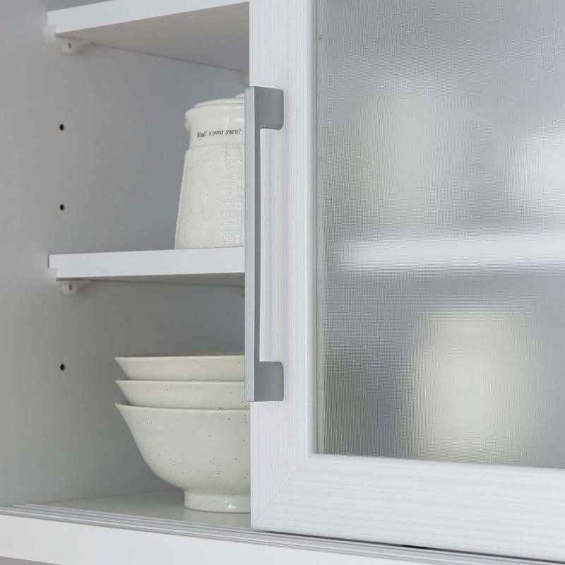 食器棚 ブルート ロータイプ140(WH柾目):開閉がカンタンな取っ手タイプ