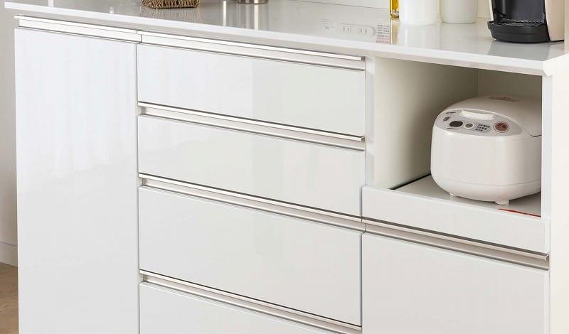 食器棚 Nサイゼスト 90 (ホワイト):鏡面仕上げの美しいデザイン