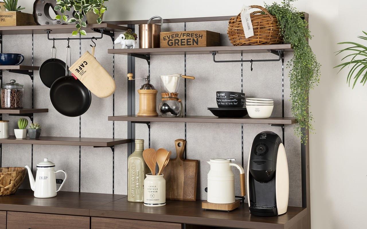 :飾って見せる収納で、楽しむキッチン空間