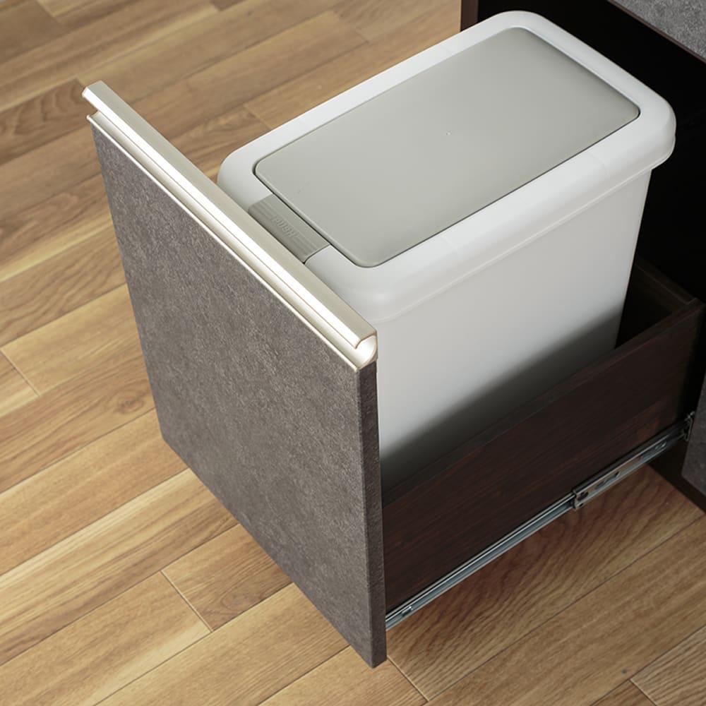 :ゴミ箱も入るサイズ!