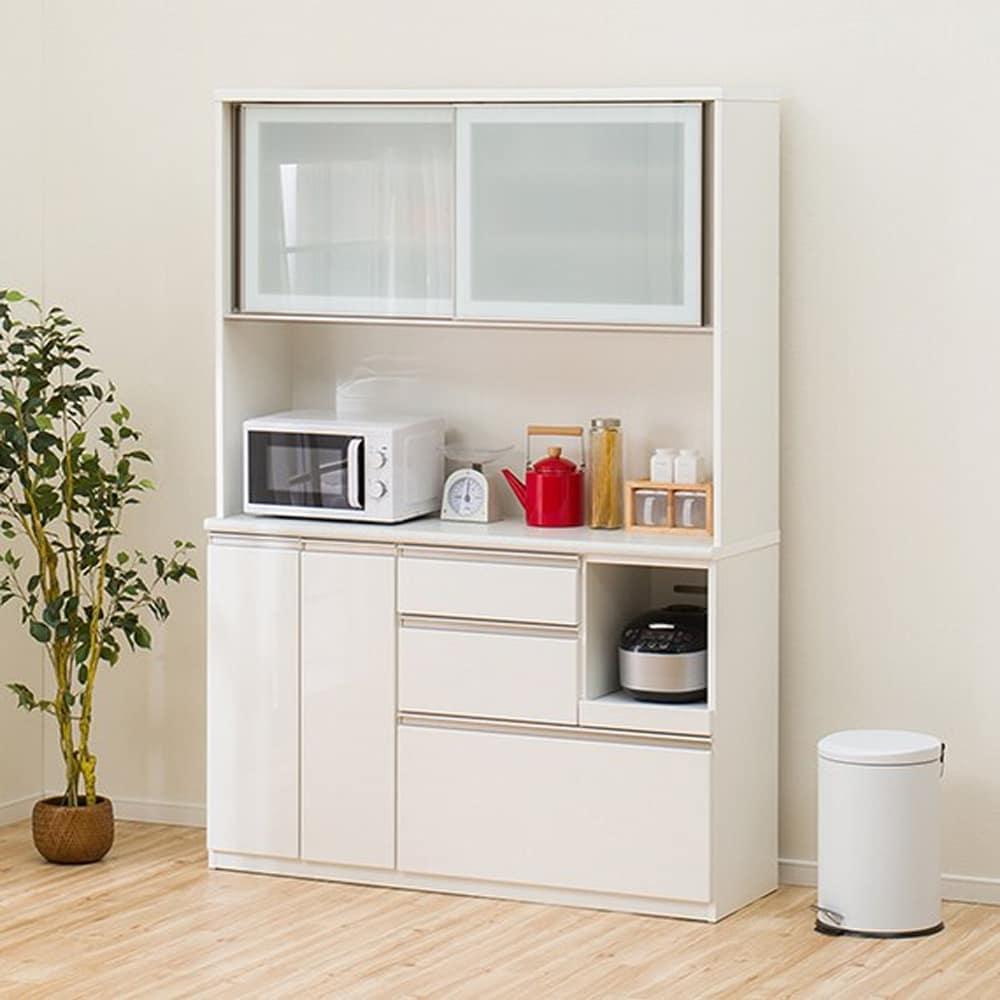 【ニトリ】 キャビネット キッチンボード アルミナ2 140KB WH ホワイト:洗練されたデザインでキッチン全体がスタイリッシュな空間に変わります。