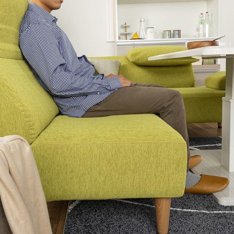 LDセット エクラ テーブル別売り(張地:E132色/脚:ナチュラル色):ソファーとしての寛ぎやすさ