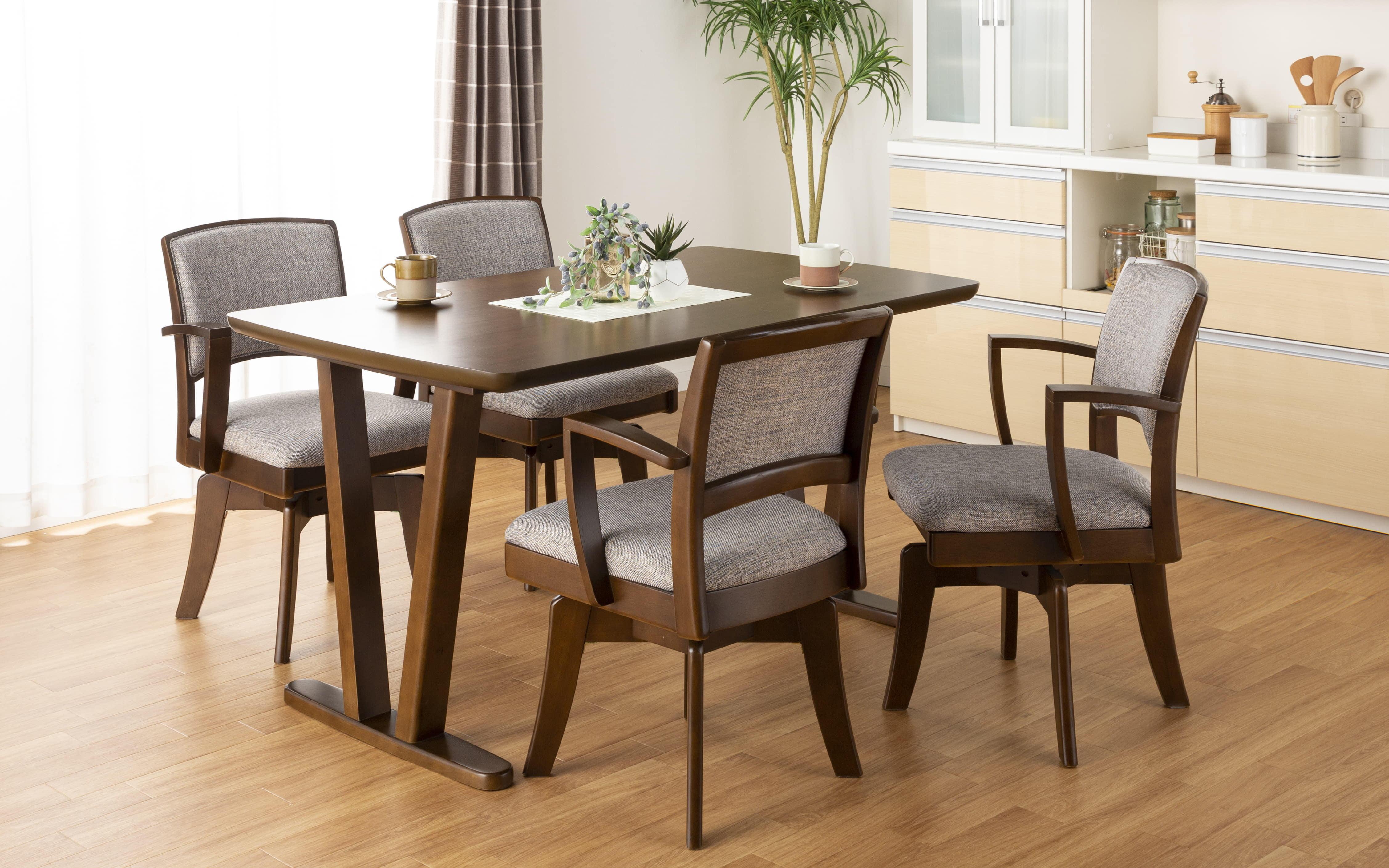 ダイニングテーブル ラクレット 165:いろんな部屋に合うベーシックデザイン