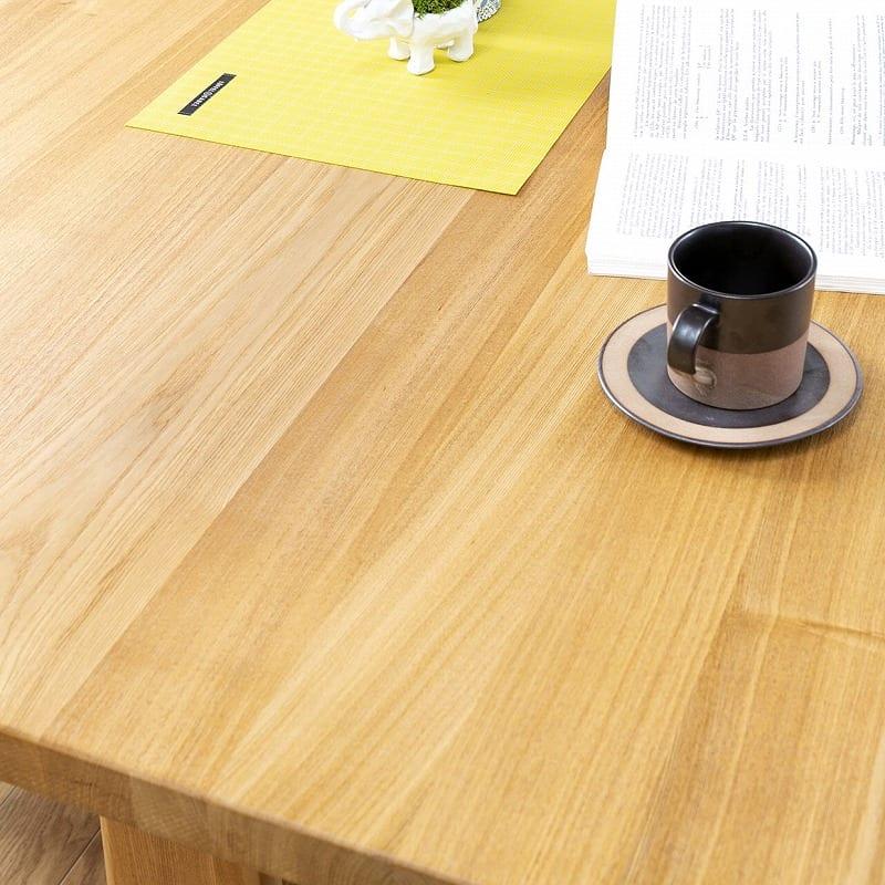 ダイニングテーブル ハーグ 150テーブル AT:「浮造り加工」で木目を引き立てる