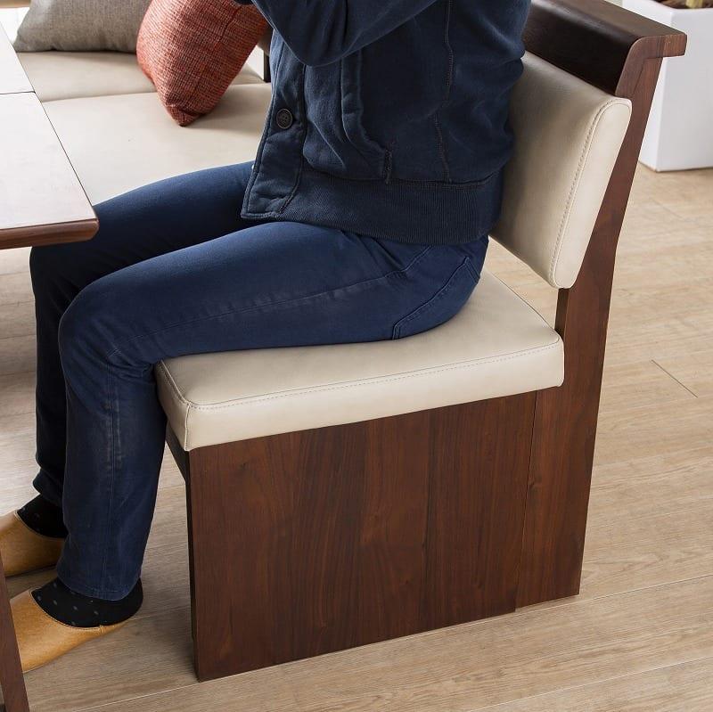 LD4点(R)セット ゲスト LDテーブルWH+伸長チェアR+カウチR+80ベンチ WH:お食事も寛ぎも両立できるソファー