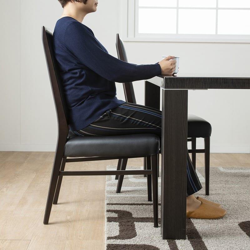 ダイニングテーブル セーヌ�Uテーブル 天板WH/脚BK:背もたれまで気持ちい