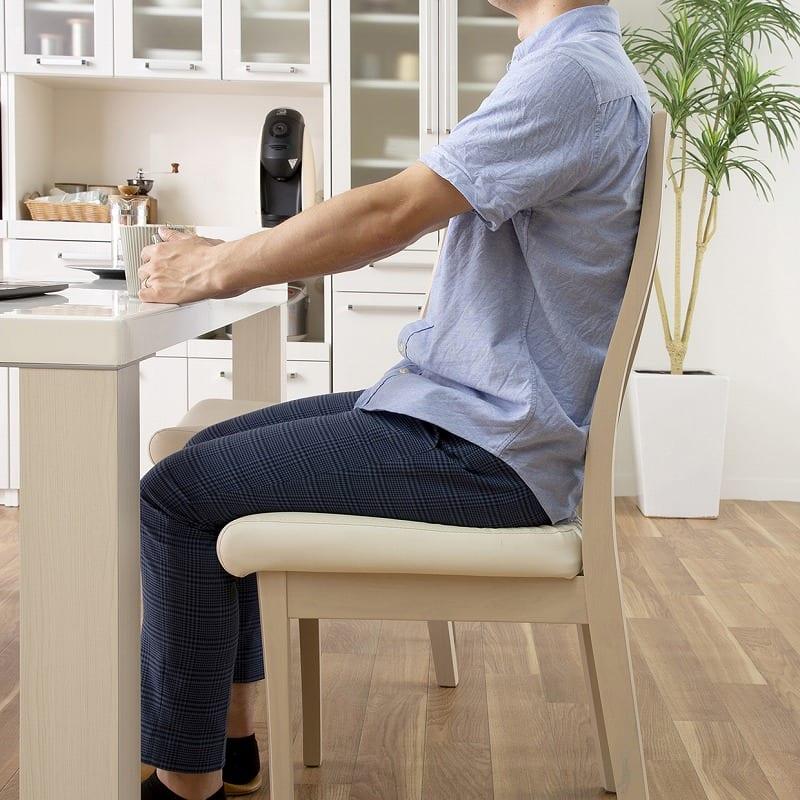 ダイニング5点セット ロレンス (155テーブル):快適な座り心地