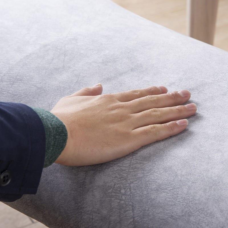 ダイニングチェアサイン 肘無椅子C18605CYG マーブルプラチナ/Y:思わず撫でてしまう肌触り
