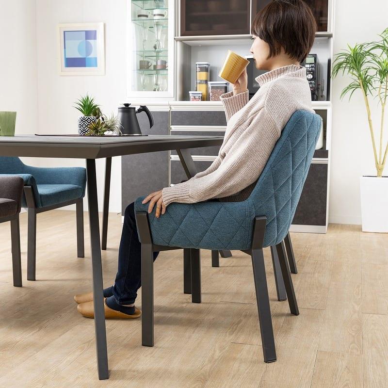 ダイニングテーブル ガリシア165DT 2本脚 BK天板:快適な座り心地