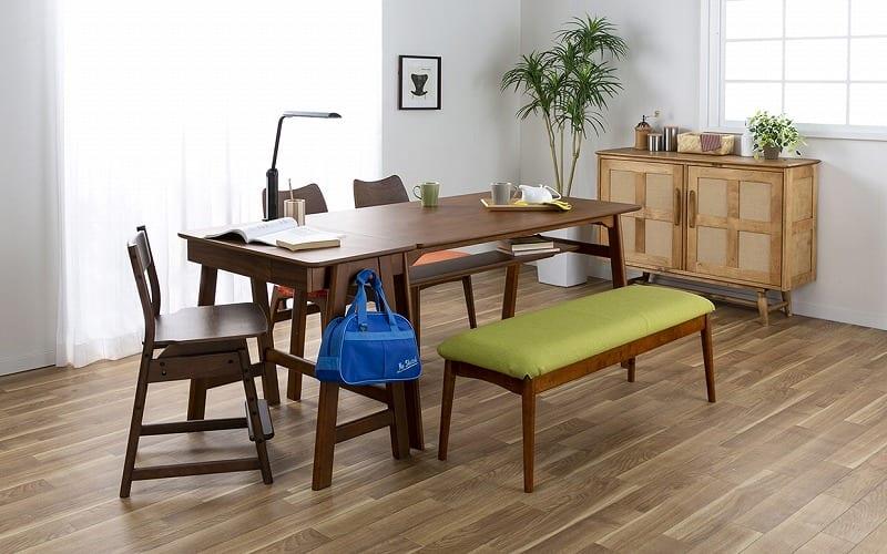 木製デスク(ライト付) クオーレ WN/ライトBK:家族が集う空間でリビング学習
