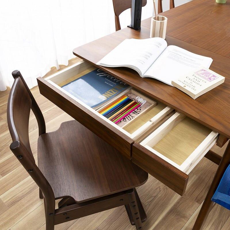 木製デスク(ライト付) クオーレ WN/ライトWH:筆記用具やノート類は引出しに収納OK♪