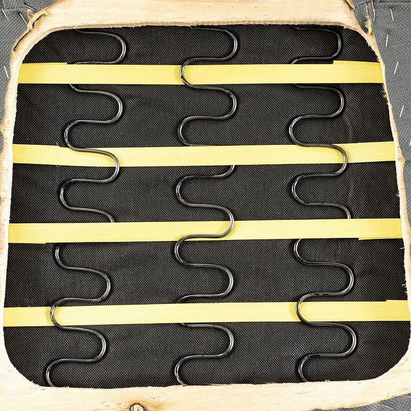 ダイニングチェア ロードPLUS ブラック(MBK)/ベージュ(FPBB):弾力のある座面