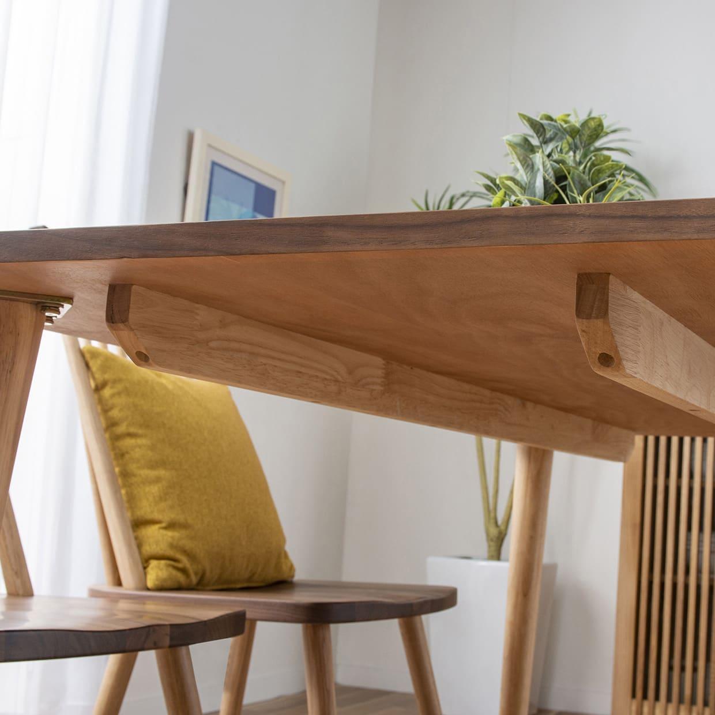 ダイニングテーブル レシピ 145:天板下は幕板がなくスッキリ