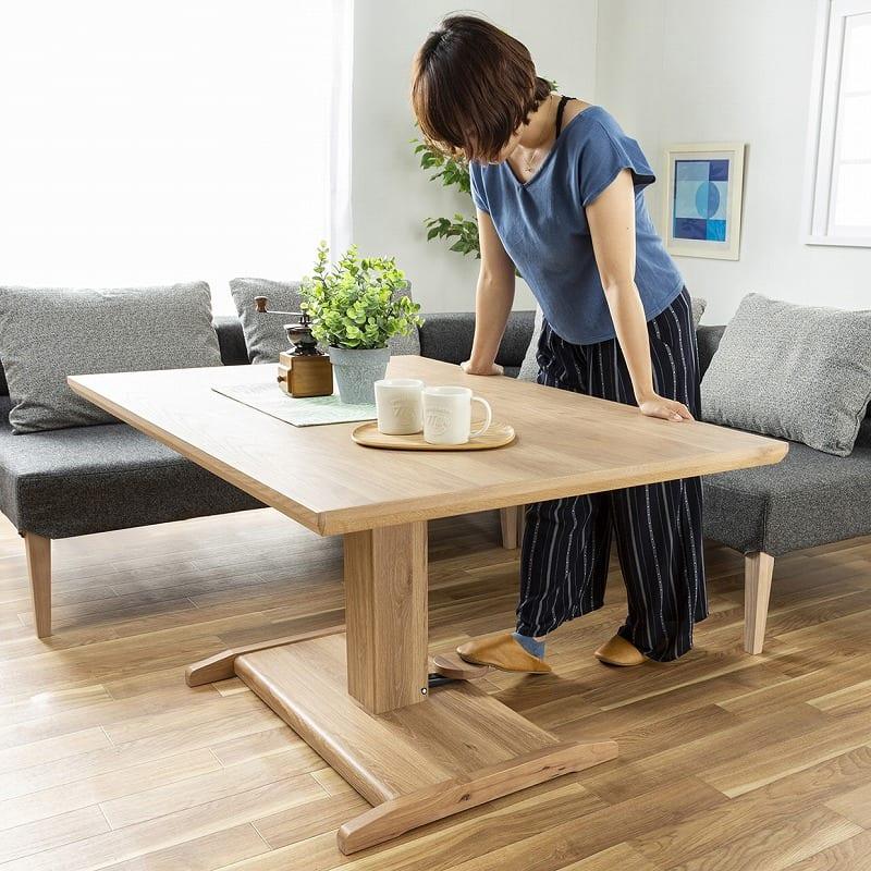 :テーブル天板はガス圧昇降式
