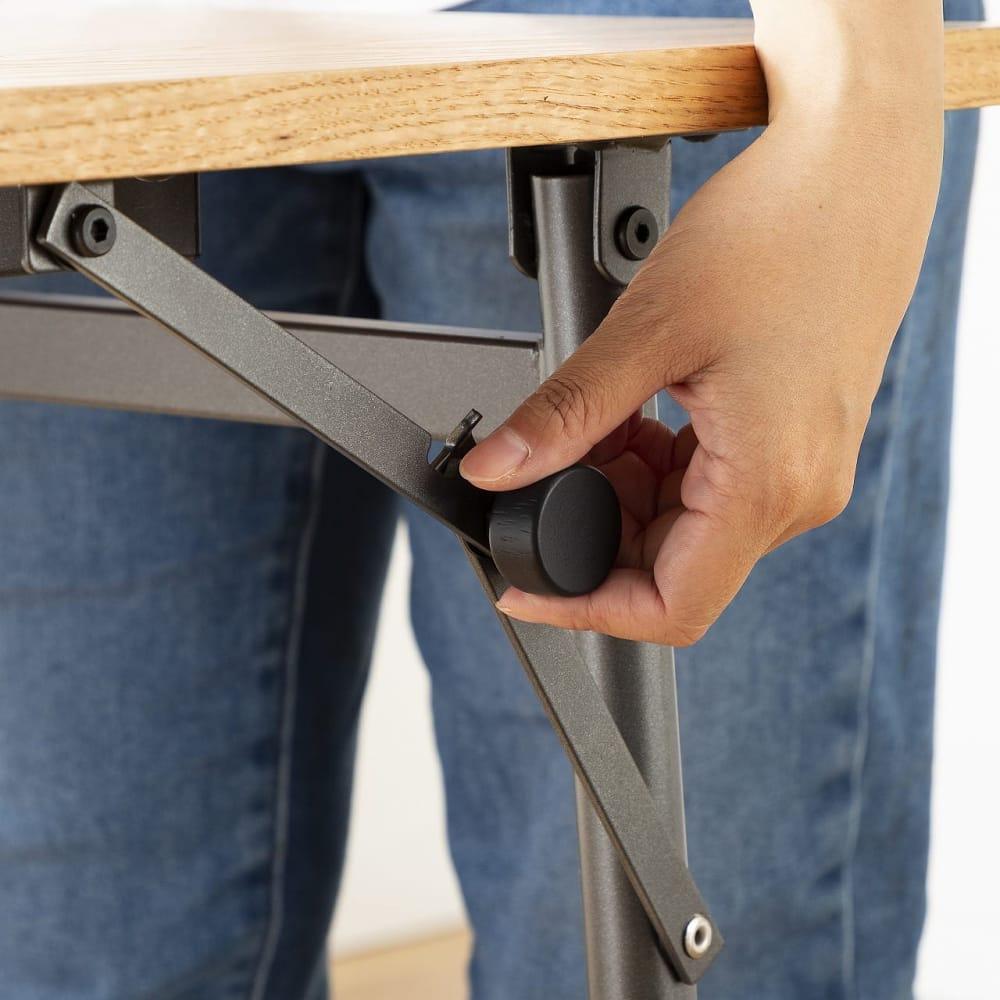 ダイニングテーブル トイ フォールディングテーブル150 OAK:使いやすい丸い取っ手付き!