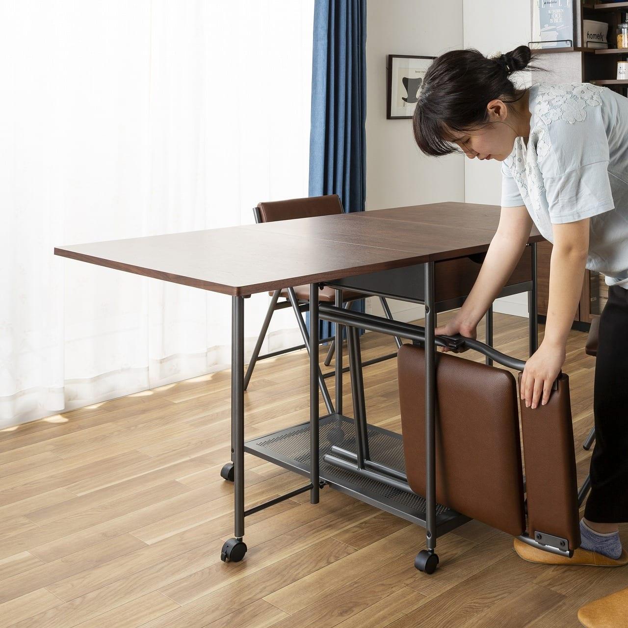 バタフライテーブル レイズ OAK:専用のチェアが収納できる!