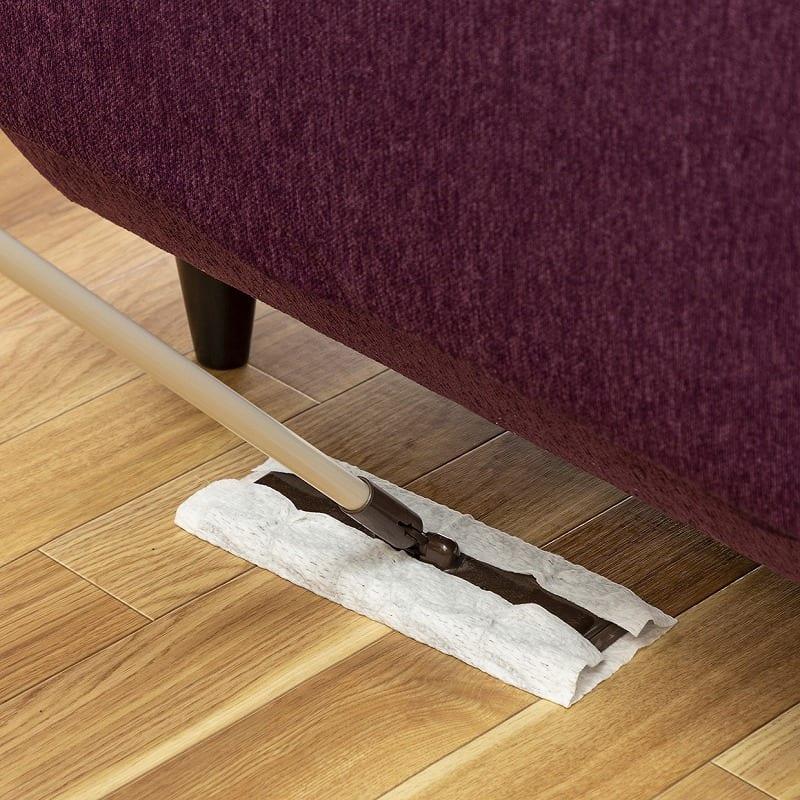 3人掛けソファー シェルタ(Tランク・BE41色):お掃除しやすい高さ設計