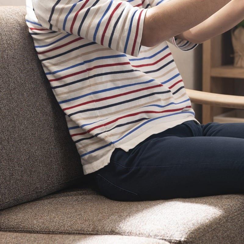 1人掛けソファー クロスタイム69ソファー 木部:MBR/生地:CHA:しっかり身体を支えます