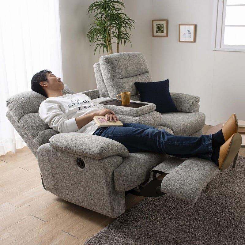3人掛け電動ソファー エルサ Dランク(C500ブラック):ソファーの独り占めもありません。