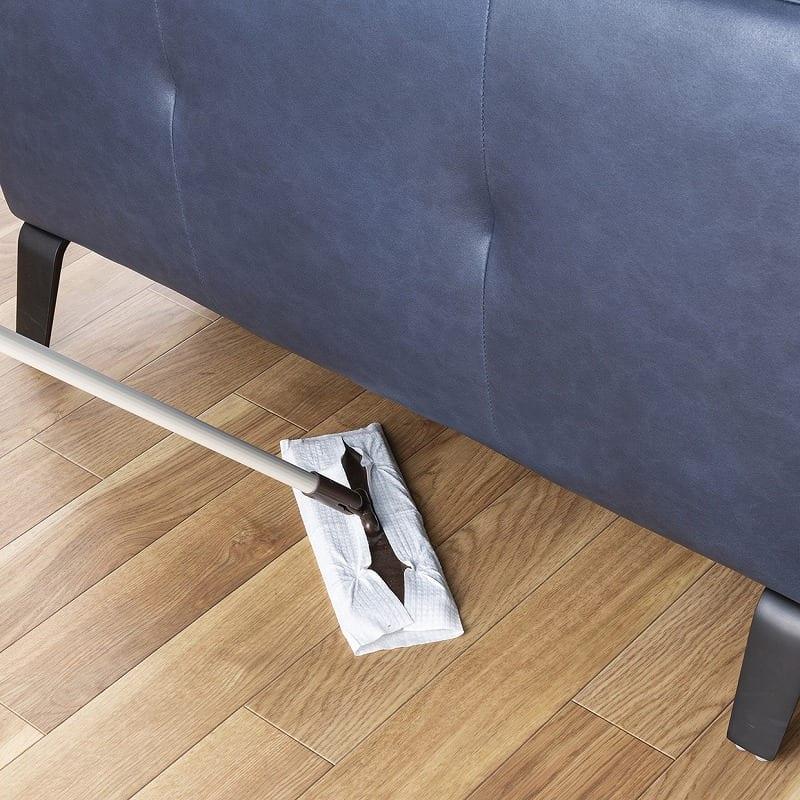3人掛けソファ ベリーニ ディープブルー:掃除しやすい高さ