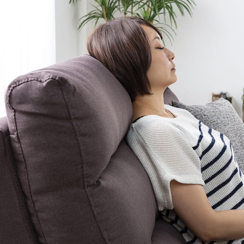 3人掛けソファー ファーゴ 3S BE:首、背中、腰をサポートするスリークッション