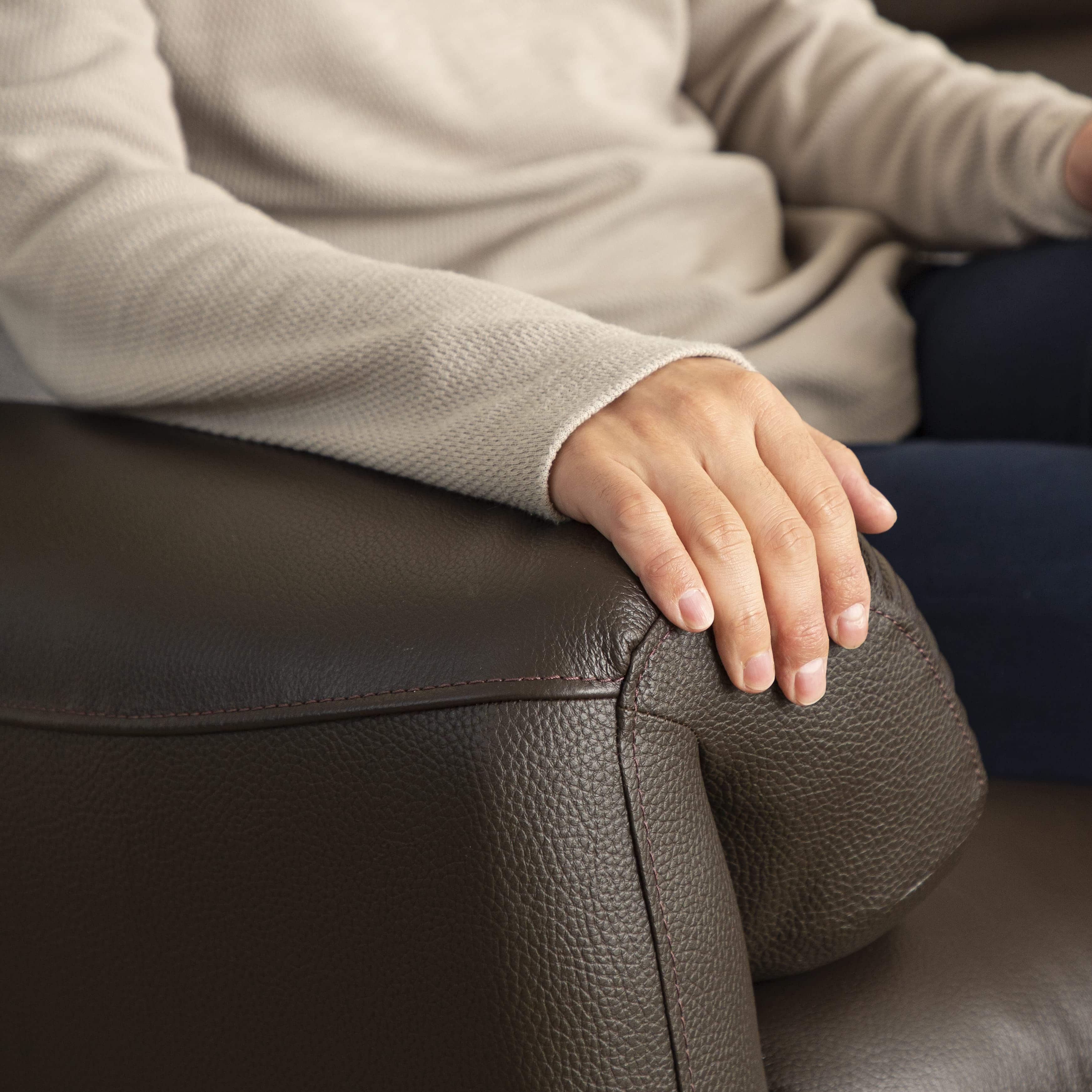 :アームレストの使い方も多種多様