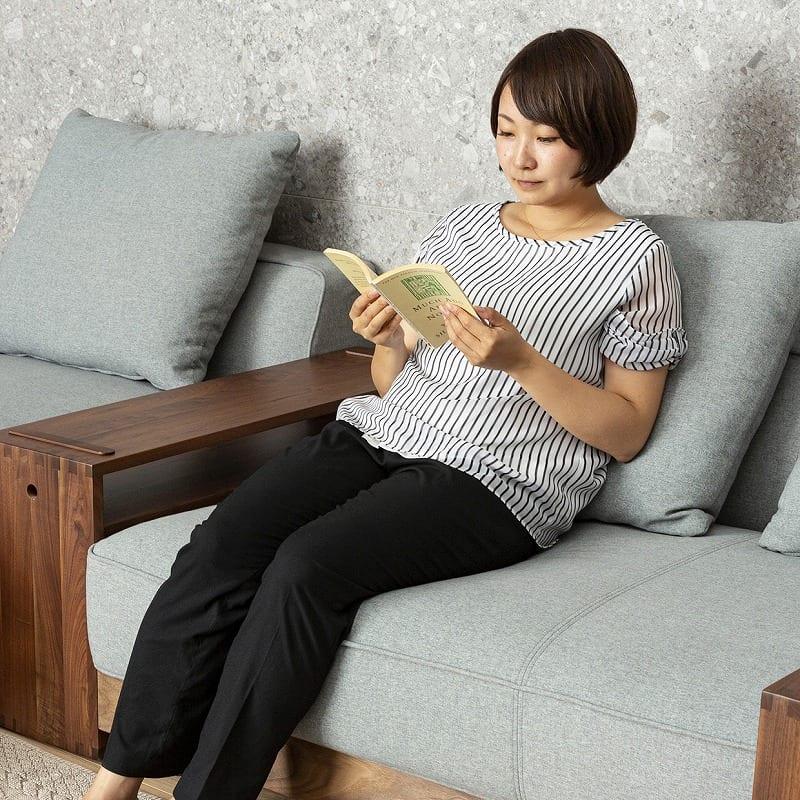 【シマホおススメセット】シェーズソファー×サイドテーブル・シェルフセット トラビス:しっかりとした座り心地