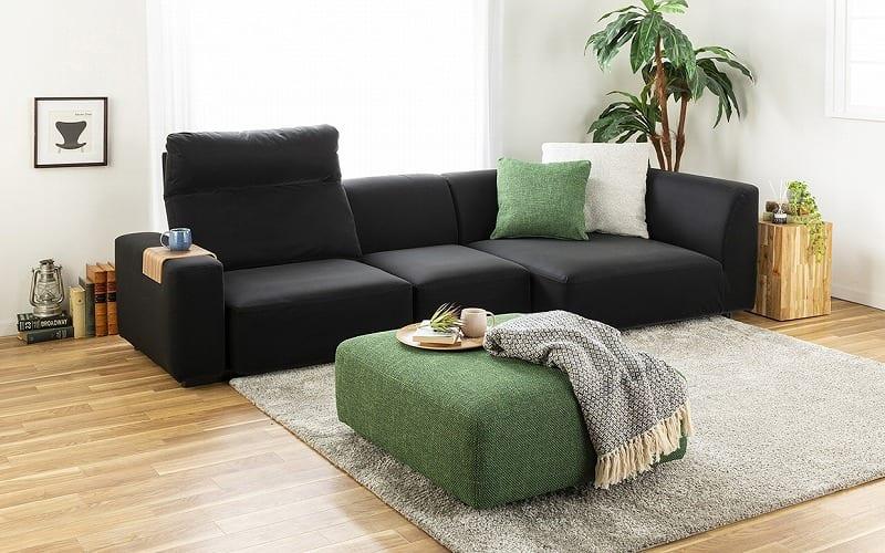 :読書も休憩もこのソファとともに
