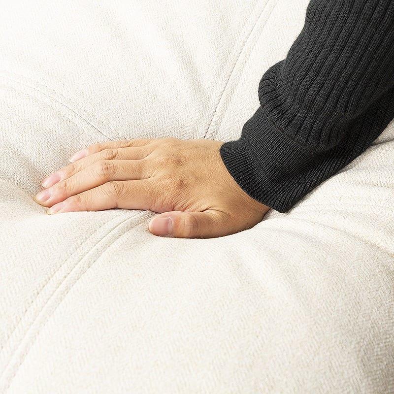 カウチソファ カーナ−L グレーミックス:脚部お掃除ラクラク