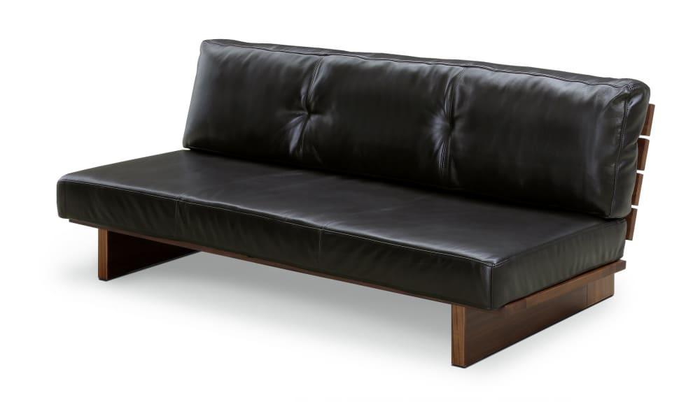 2.5人掛けソファー レザーウッド�U160ソファー:総革仕様のウッドフレームロータイプソファです
