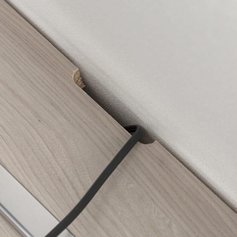 ローボード ペレット120TV(WN木目):配線が邪魔にならない設計