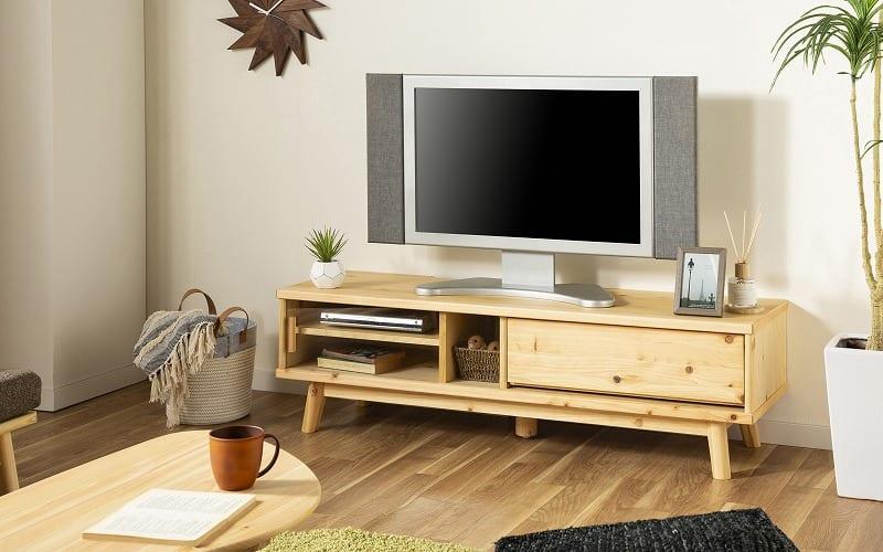 :国産檜の優しさを最大限に活かしたテレビボード