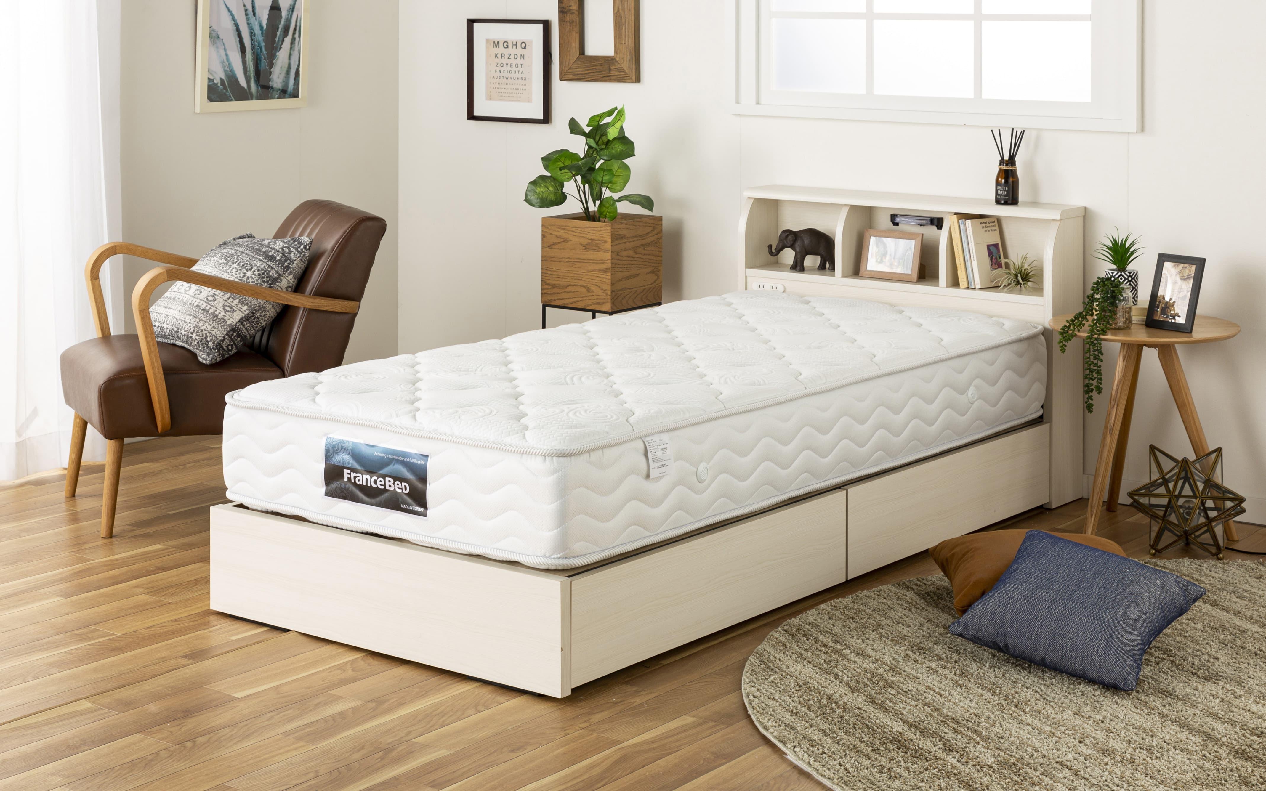 :収納機能満載のベッド