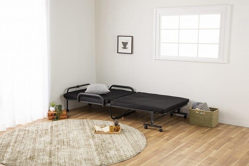 折りたたみシングルベッド ナウ(ブラック):急な来客や家族が泊まりに来た際に