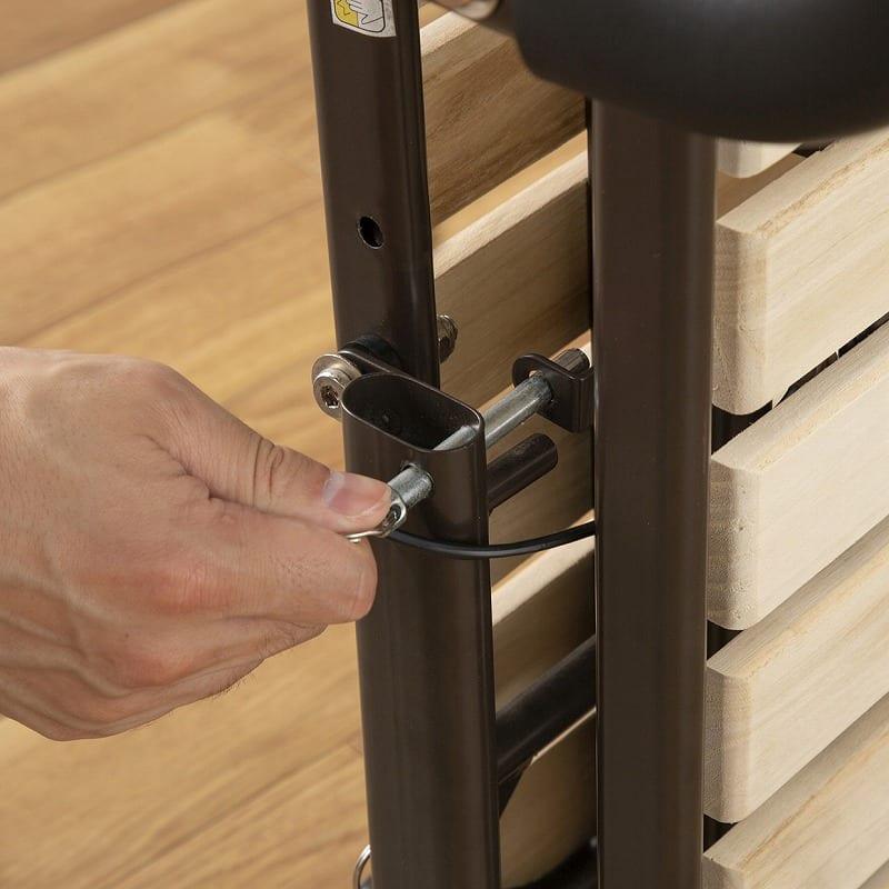 収納式桐すのこベッド AX−BF1006:ストッパーで広がり防止