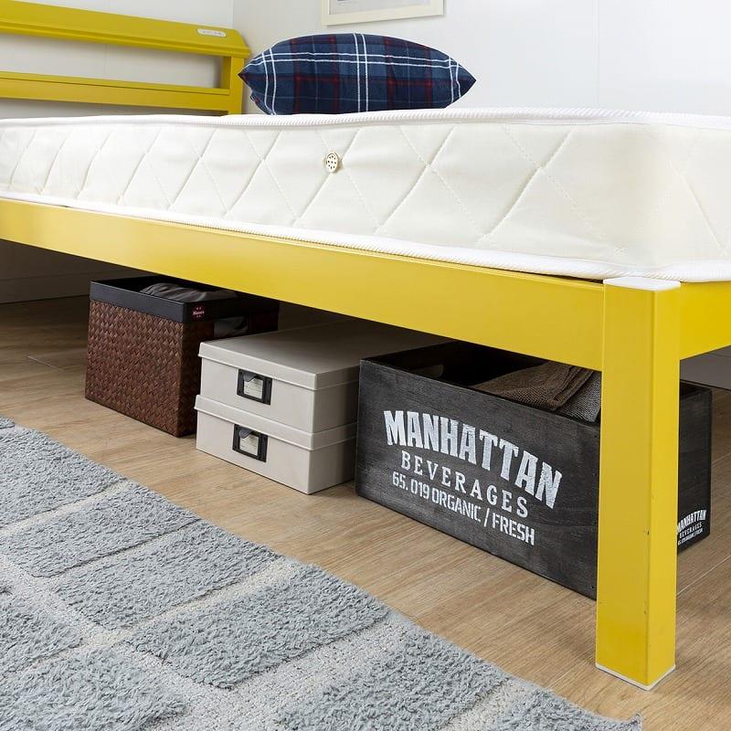 シングルフレーム ルコル(マットレス別売) ホワイト:ベッド下のスペースも有効活用
