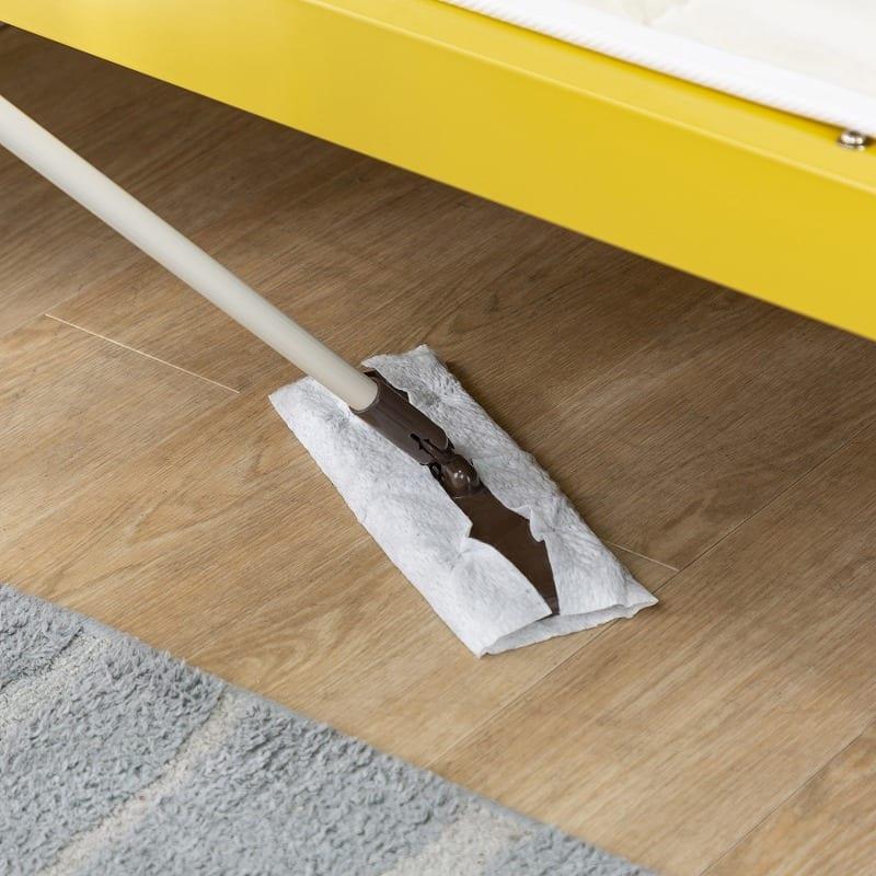 シングルフレーム ルコル(マットレス別売) ホワイト:ベッド下がゆったりしているのでお掃除もラクラク