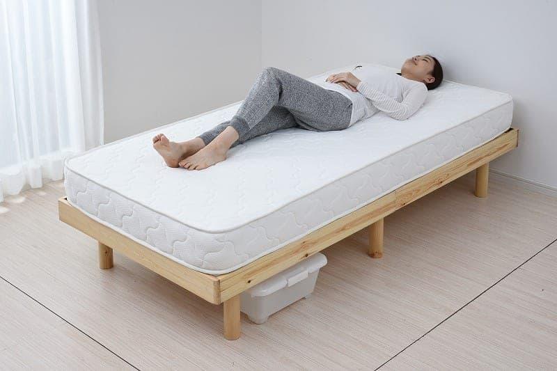 【コンパクト梱包】脚付き木製すのこベッドフレーム