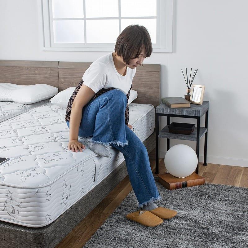 :サイドが硬くてベッドからの立ち上がりが楽