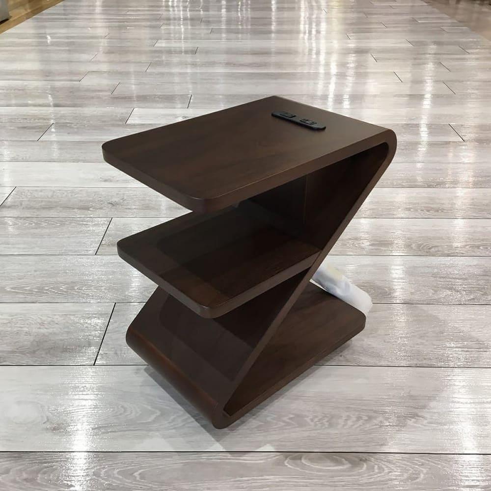 ナイトテーブル ネクタ:◆曲線が印象的なナイトテーブル