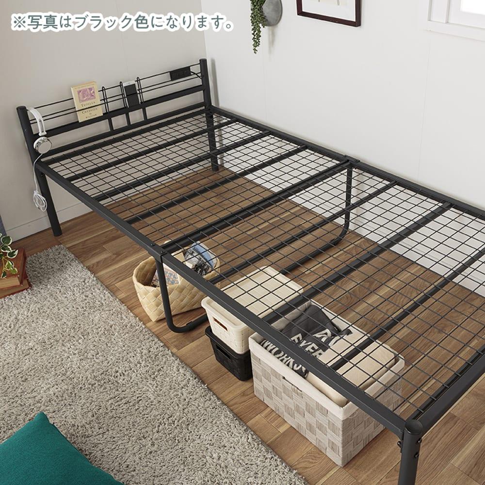 :スチールメッシュの床板