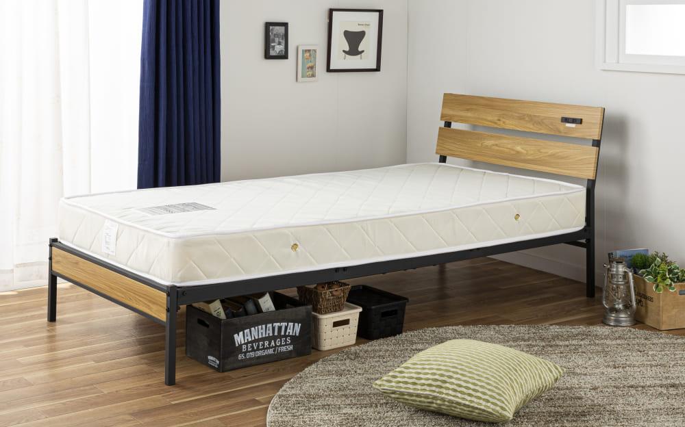 :シンプルなデザインで飽きの来ないベッドフレーム