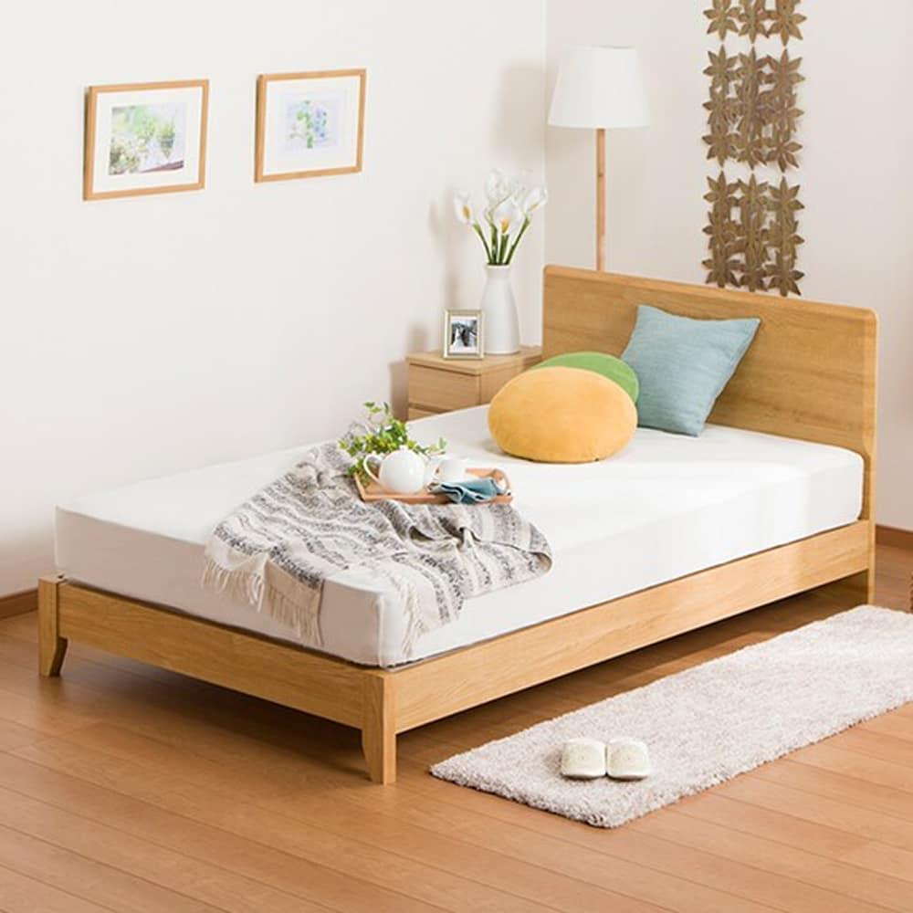 【ニトリ】 セミダブルフレーム メリッサ3−S(すのこ床板) H85 LBR LEG ライトブラウン ※マットレス別売※:フラットなヘッドボードは壁にもぴったり付けられる直角型。